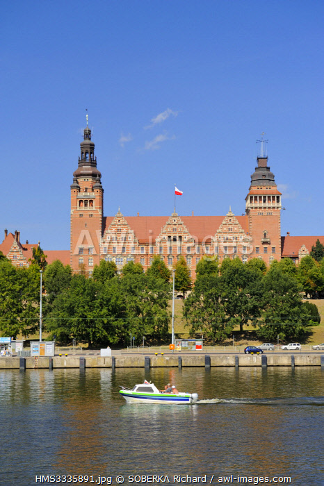 awl-images.com - Poland / Poland, West Pomeranian, Szczecin, the Oder river and the Chrobry ramparts named from Boleslaw I the Brave, the first Polish king, Boleslaw I Chrobry, head of the department (West Pomeranian Voivodeship)