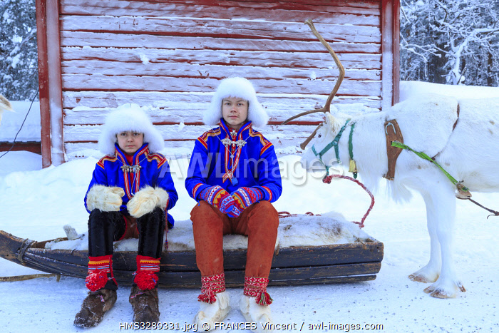 awl-images.com - Sweden / Sweden, Lapland, region listed as World Heritage by UNESCO, Norrbotten County, Sami youth in traditional costume at the Sami market since the 17th century in Jokkmokk