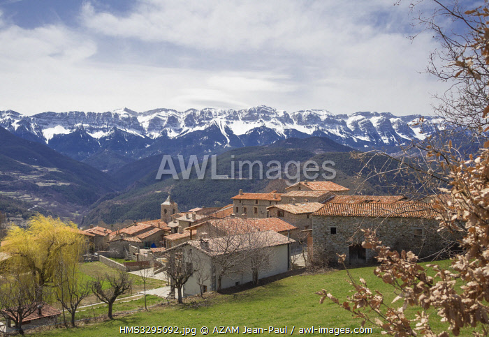 awl-images.com - Spain / Spain, Catalonia, Sierra del Cadi massif, village of Traversseres