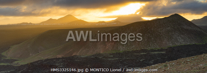 awl-images.com - Spain / Spain, Islands of the Canary Islands, Island of Lanzarote, the Caldera Blanca seen on Montana Calderata