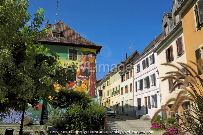 awl-images.com - France / France, Haut Rhin, Altkirch, Rue des Boulangers, park, fresco on the facade of a house