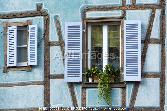 awl-images.com - France / France, Haut Rhin, Route des Vins d'Alsace, Colmar, facade of a half timbered house in La Petite Venise district