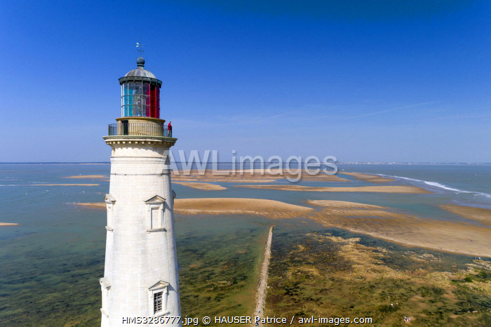 awl-images.com - France / France, Gironde, Verdon sur Mer, rocky plateau of Cordouan, lighthouse of Cordouan, classified Monument Historique, the lighthouse keeper