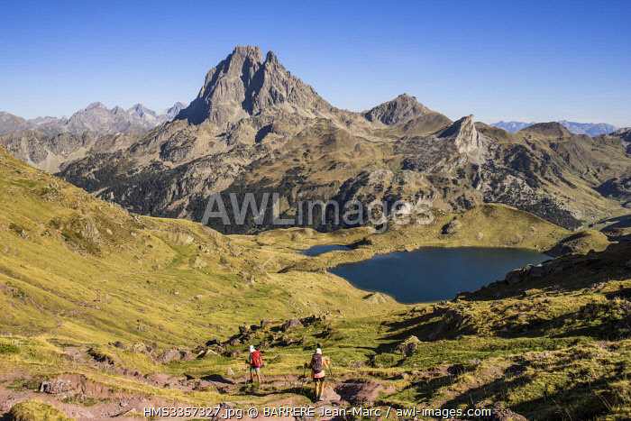 awl-images.com - France / France, Pyrenees Atlantiques, Bearn, hiking in the Pyrenees, GR10 footpath, descent from the Ayous Pass to Gentau Lake, Pic du Midi d'Ossau