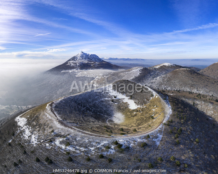 awl-images.com - France / France, Puy de Dome, area listed as World Heritage by UNESCO, Orcines, Regional Natural Park of the Auvergne Volcanoes, the Chaîne des Puys, Puy Pariou in the foreground (aerial view)