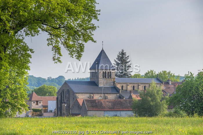 awl-images.com - France / France, Allier, village of Vieure, Bourbonnais