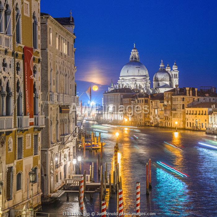Basilica di Santa Maria della Salute, Grand Canal, Venice, Veneto, Italy