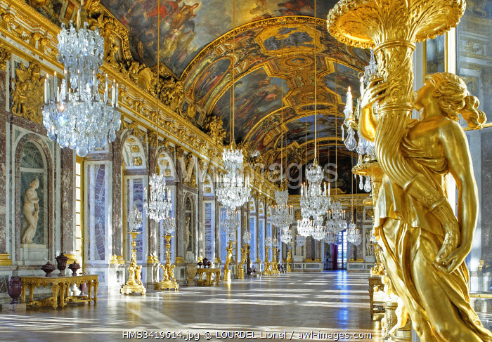 France, Yvelines, Palace of Versailles, listed as World Heritage by UNESCO The Hall of Mirrors