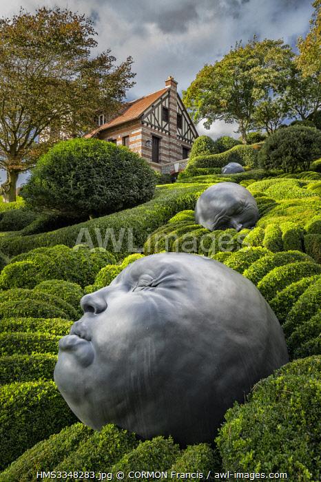 France, Seine Maritime, Etretat, Etretat garden, Drops of Rain, Samuel Salcedo