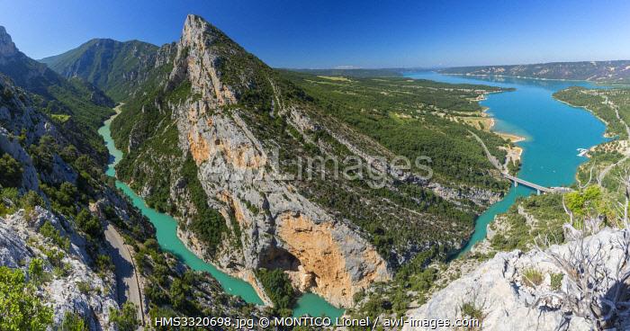 France, Alpes-de-Haute-Provence, Verdon Regional Nature Park, Grand Canyon du Verdon, cliff Les Grands Vernis (993m), Verdon and Lake St. Croix