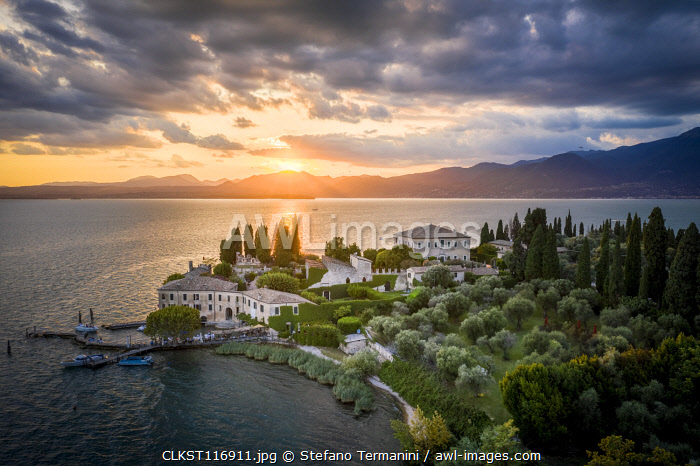 The sunset at Punta San Vigilio, an historic Pope residence on the eastern side of Garda Lake. Punta San Vigilio, Garda Lake, Veneto, Italy