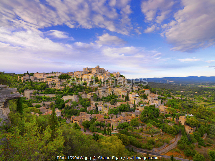 France, Vaucluse, Provence, Gordes, overview