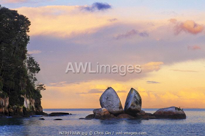 Sunset at Split Apple Rock, Tasman, New Zealand