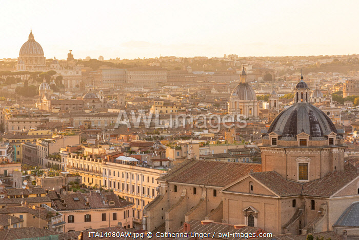 Europe, Italy, Rome. Scenic view from the Vittoriano over the town towards St. Peter's