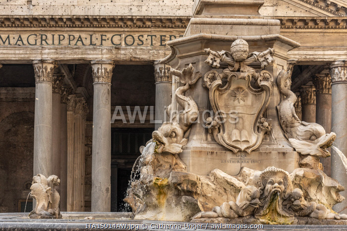 Europe, Italy, Rome. The fountain of the Pantheon on the Piazza della Rotonda with the Portico of the Pantheon in the back.