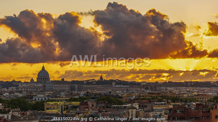 Europe, Italy, Rome. View toward Saint Peter's at sunset from the Villa Borghese.