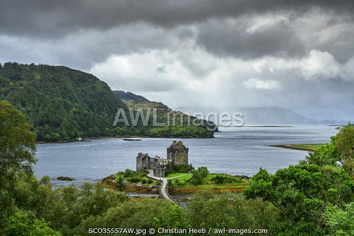 United Kingdon, Scotland, Dornie, Kyle of Lochalsh, Eilean Donan Castle