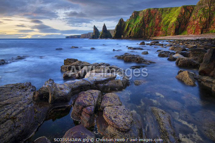 United Kingdon, Scotland, Rocks at Duncansby Head