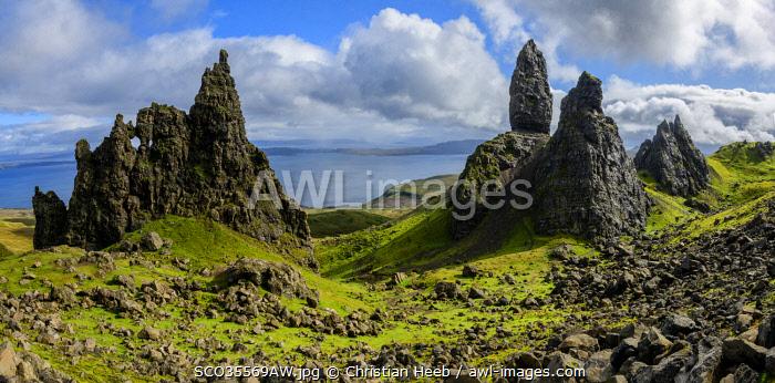 Europe, United Kingdom, Scotland, Highland, Isle of Skye, Old Man of Storr