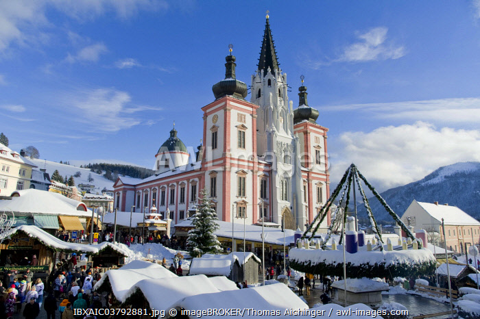 Christmas market in front of the Mariazell Basilica on the main square of Mariazell, Upper Styria, Styria, Austria, Europe