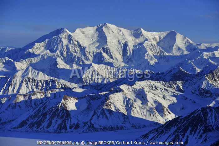 Mount Lucania, 5240 m, St. Elias Mountains, Icefield Ranges, Yukon Territory, Canada, North America