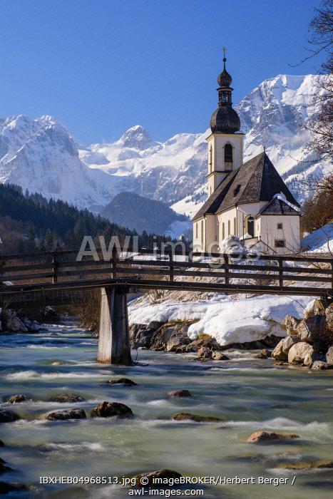 Parish church St. Sebastian an der Ramsauer Ache in winter, Reiteralpe at the back, Ramsau, Berchtesgadener Land, Upper Bavaria, Bavaria, Germany, Europe