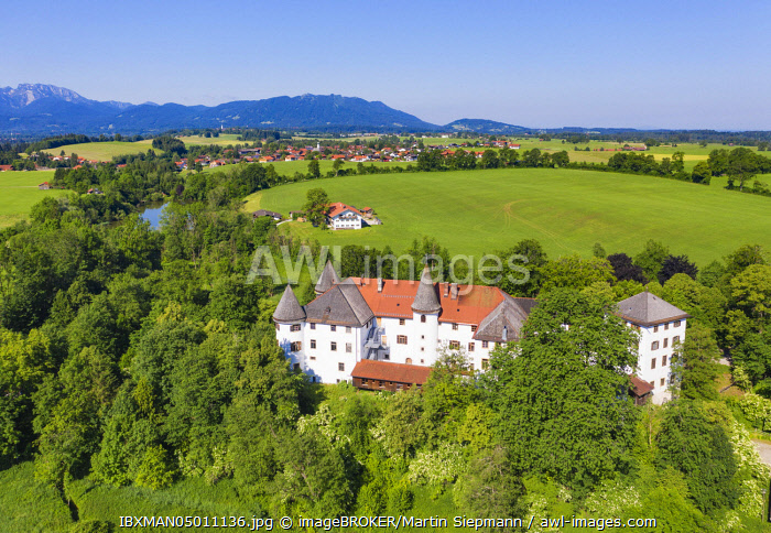 Sigriz Castle, Reichersbeuern, rear Greiling, Tolzer Land, aerial view, Upper Bavaria, Bavaria, Germany, Europe