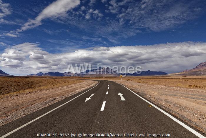 Road through the Atacama desert, behind volcanoes, Andean highlands, road B-357, Talabre, San Pedro de Atacama, El Loa province, Antofagasta region, Norte Grande de Chile, Chile, South America