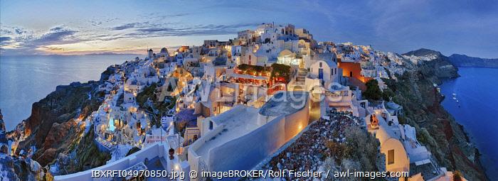 Panorama, evening mood, Oia, Santorini, Greece, Europe