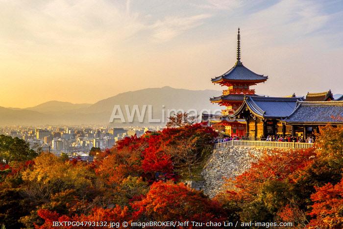 Sanjunoto pagoda of Kiyomizu-dera buddhist temple in autumn, Higashiyama, Kyoto, Japan, Asia
