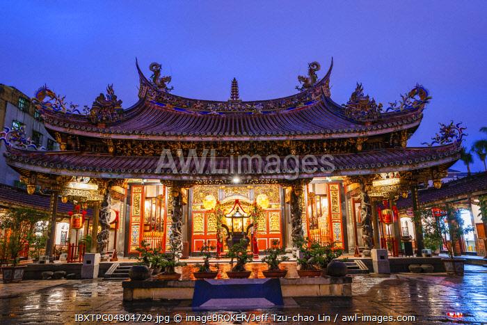 Bao-An Temple at dusk, Taipei, Taiwan, China, Asia