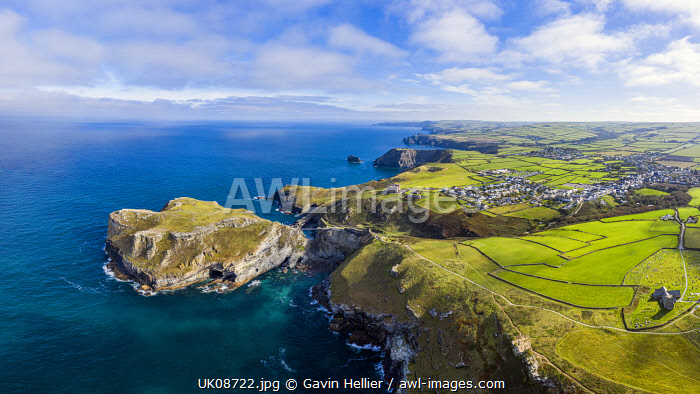 awl-images.com - England / Bridge to ruins of legendary Camelot Castle of King Arthur, Tintagel Island, Tintagel, Cornwall, England