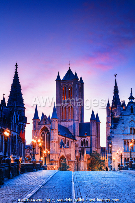 awl-images.com - Belgium / View of St. Nicholas church (Sint-Niklaaskerk) by night in Ghent, Belgium