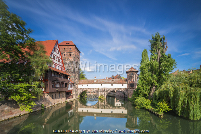 awl-images.com - Germany / View of Galerie im Henkerhaus, Wasserturm (Water tower) and Weinstadel taken from Maxbrücke, Nuremberg, Middle Franconia, Bavaria, Germany