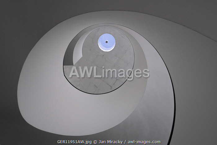 awl-images.com - Germany / Abstract view of a gray staircase at Neues Museum Nürnberg, Nuremberg, Middle Franconia, Bavaria, Germany