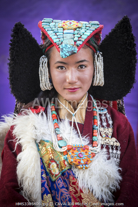 India, Jammu and Kashmir, Ladakh, Hemis, Naropa festival of 2018, two hundred and ninety nine Ladakhie women performed the dance of Shondol, recorded in the Guinness World Records as the biggest Ladakhi dance, women wearing perak, traditional headdress adorned with turquoises