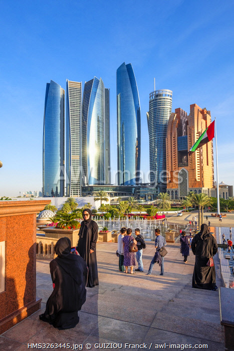 United Arab Emirates, Abu Dhabi, Al Khubeirah district, Etihad Towers seen from the Emirates Palace Hotel