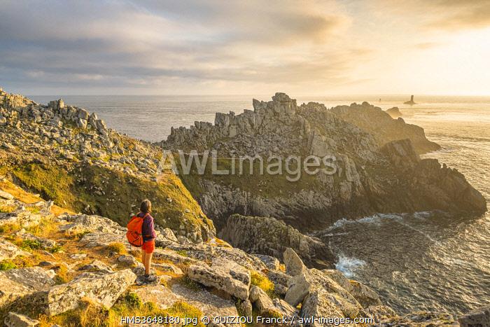 France, Finistere, Plogoff, Pointe du Raz, along the GR 34 hiking trail or customs trail