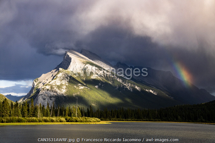awl-images.com - Canada / Rainbow at Vermillion Lakes, Banff National Park, Canadian Rockies, Canada