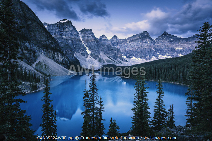 awl-images.com - Canada / Blue Hour at Moraine Lake, Banff Lake Louise, Canadian Rockies, Canada