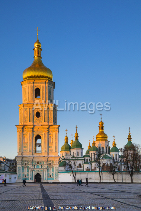 awl-images.com - Ukraine / St. Sophia's Cathedral and Bell Tower, Sofiyivska Square, Kiev (Kyiv), Ukraine