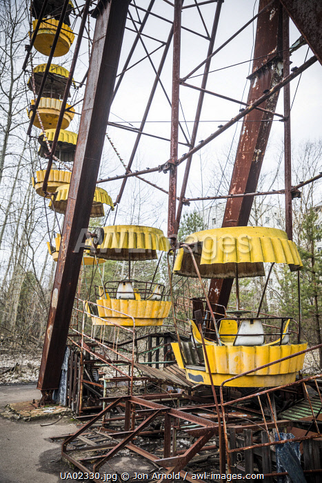 awl-images.com - Ukraine / Ferris wheel in the Children's amusement park in the abandoned city of Pripyat, Chernobyl Exclusion Zone, Ukraine