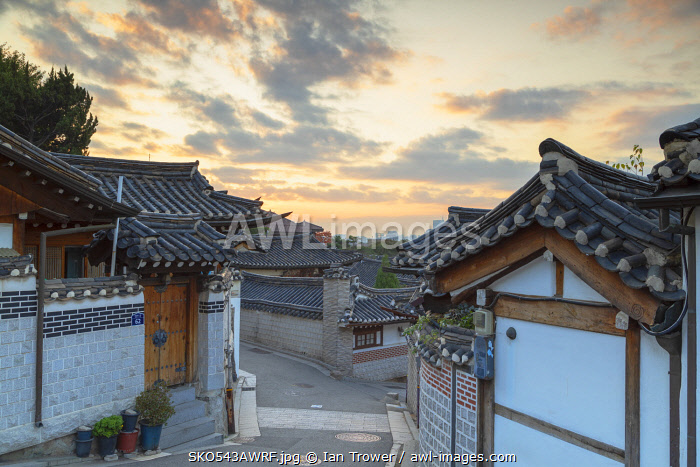 awl-images.com - South Korea / Traditional houses in Bukchon Hanok village at dawn, Seoul, South Korea