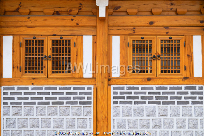 awl-images.com - South Korea / Traditional house in Bukchon Hanok village, Seoul, South Korea
