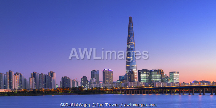 Lotte World Tower and Han River at dusk, Seoul, South Korea