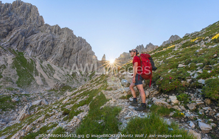 awl-images.com - Germany / Hiker during the ascent, Fuchskarspitze, Balkenspitzen, Allgäu Hochalpen, Bavaria, Germany, Europe