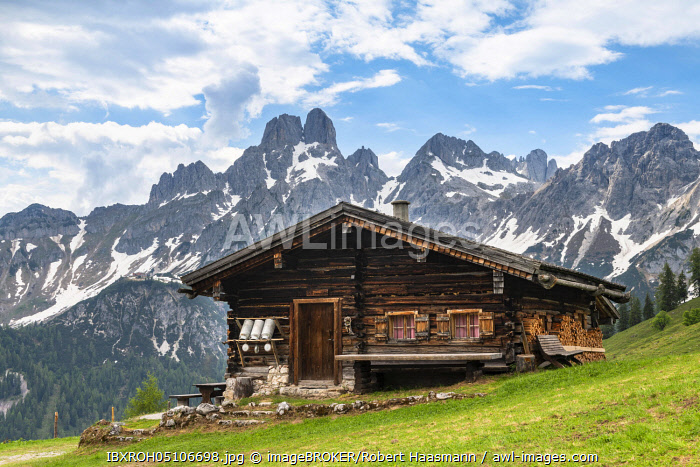 awl-images.com - Austria / Alpine hut in front of the peaks of Bischofsmutze, Sulzenalm, Filzmoos, Salzburg, Austria, Europe