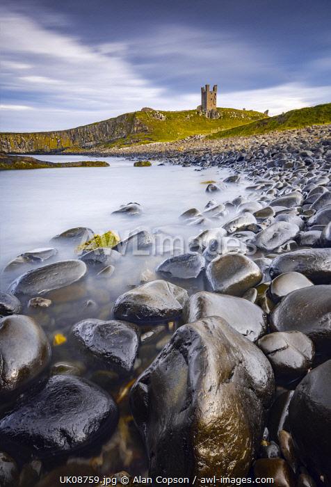 UK, England, Northumberland, Dunstanburgh Castle, Lilburn Tower