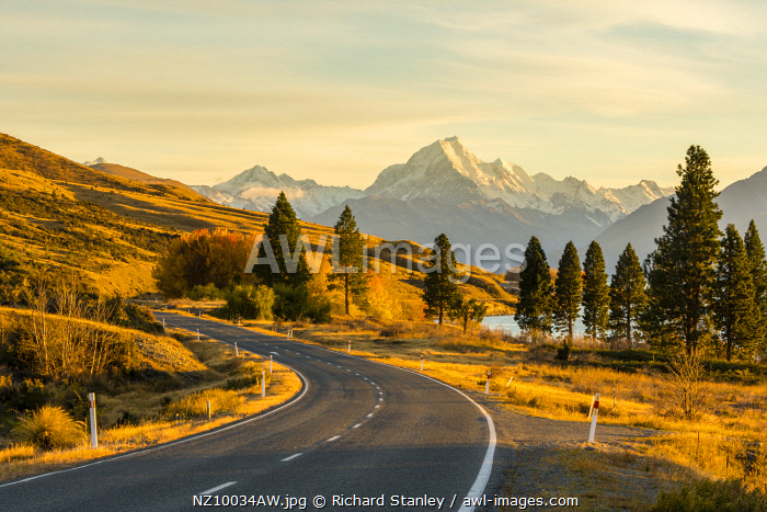 A view of Mount Cook from the roadside. Mount Cook, Otago, South Island, New Zealand