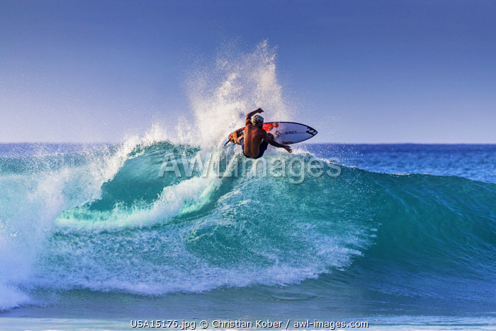 United States of America, Hawaii, Oahu island, surfer on the North Shore